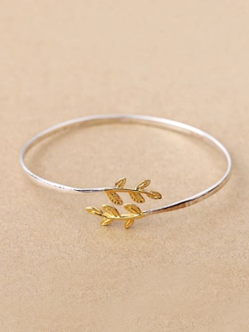 Peng Yuan Gold Plated Leaf Opening bangle