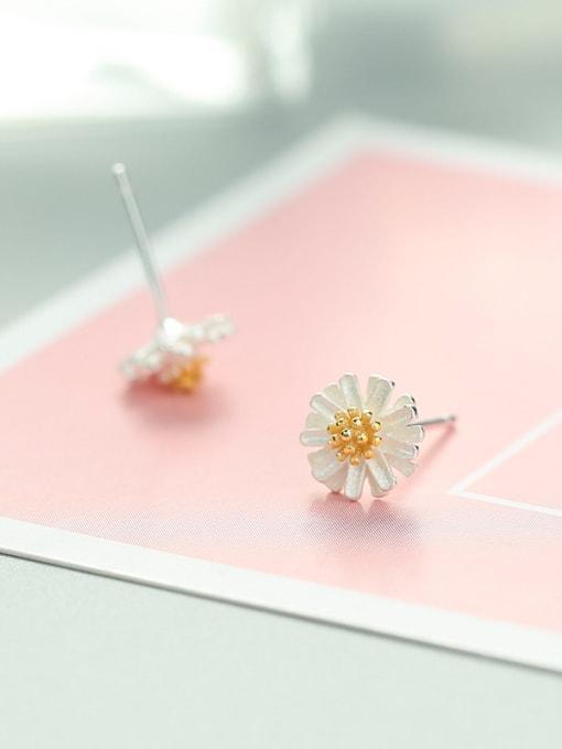 white 925 Silver Flower Shaped stud Earring