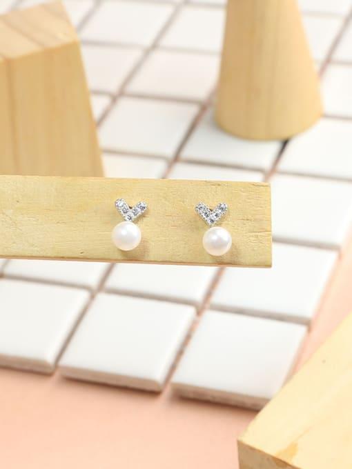 Peng Yuan Mini-heart shaped Freshwater Pearl Stud Earrings 2