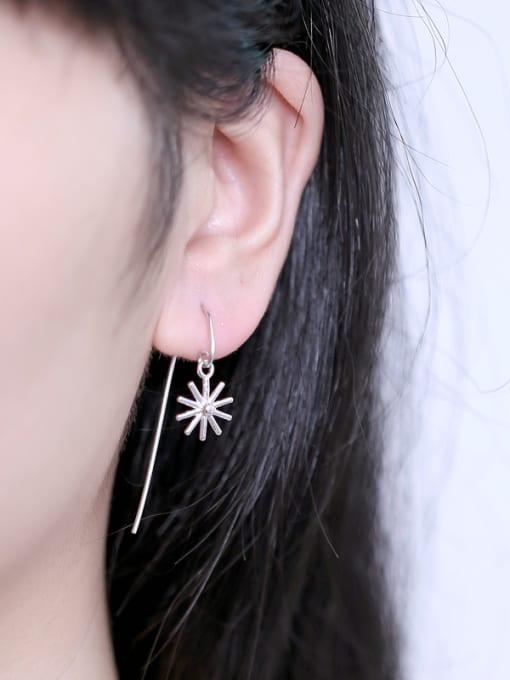 Peng Yuan Fashion Little Flower Hook hook earring 1