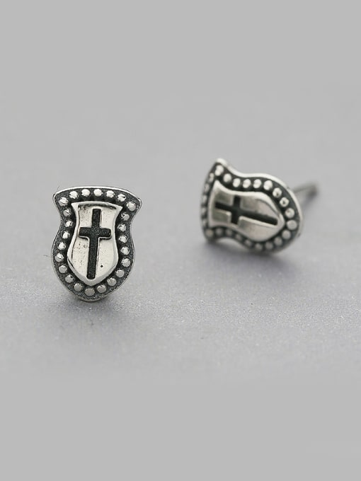 One Silver Vintage Style Shield Shaped stud Earring 0