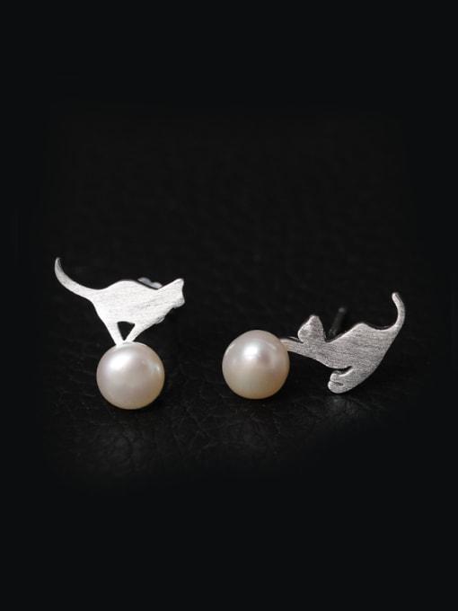 SILVER MI Lovely Cat Freshwater Pearl Stud Earrings 0