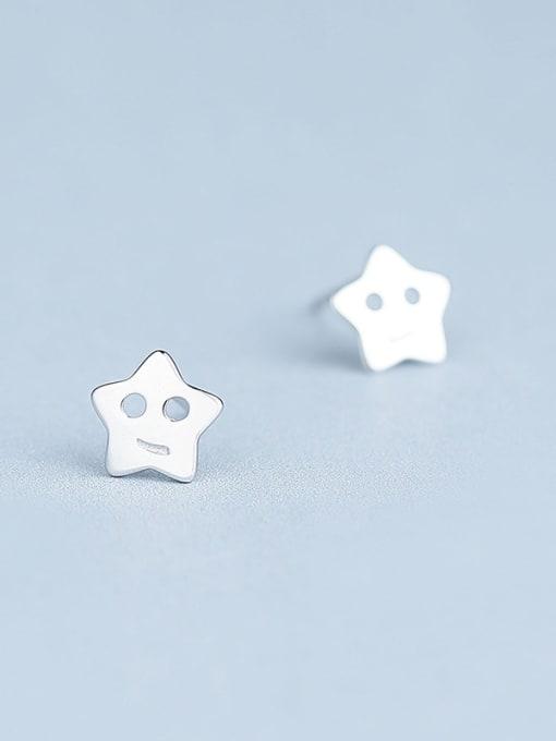 One Silver Elegant 925 Silver Star Shaped stud Earring