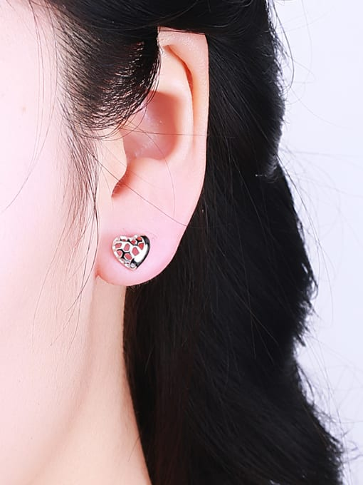 One Silver Women Fashion Heart Shaped stud Earring 1