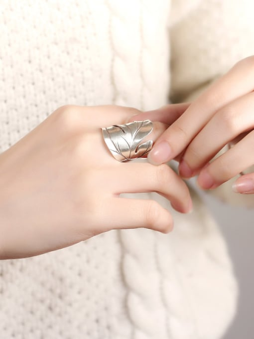 Peng Yuan Ethnic Maple Leaf Silver Ring 1