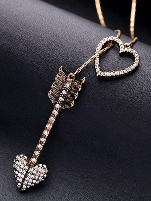 KM Heart Arrow Shaped Accessories Necklace 2