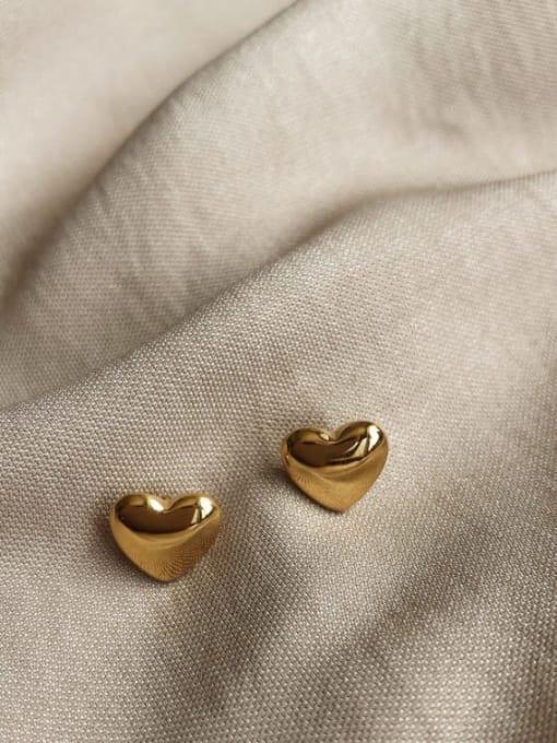 A TEEM Titanium Steel Heart Minimalist Stud Earring 2