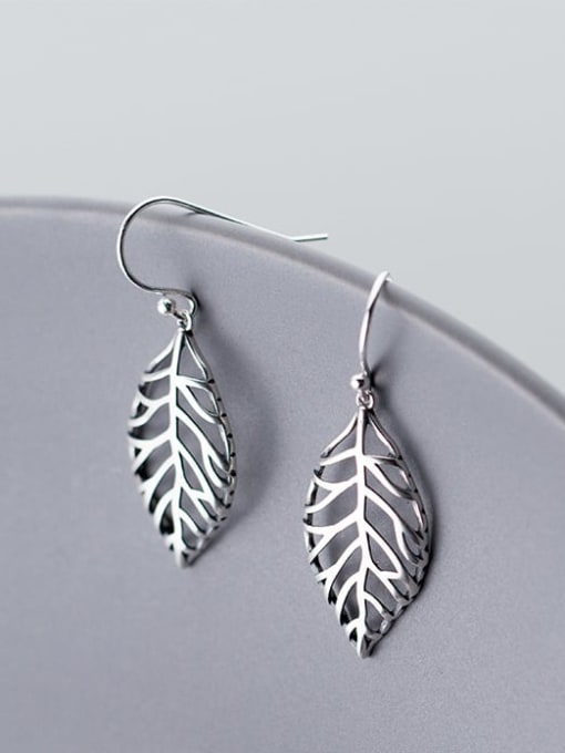 Rosh 925 Sterling Silver Irregular hollow leaves Minimalist Hook Earring 4