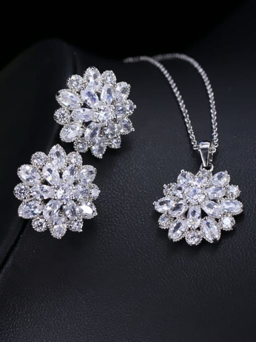 white Brass Cubic Zirconia Dainty Flower  Earring and Necklace Set