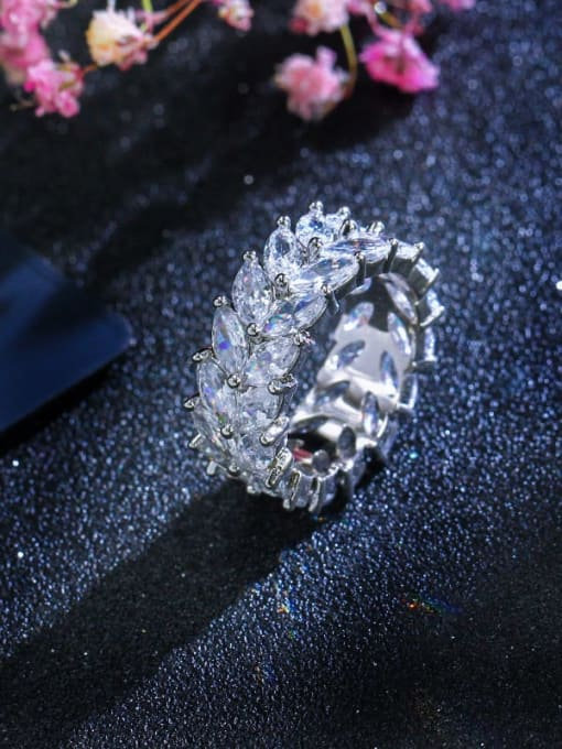 White US  6 Brass Cubic Zirconia Flower Luxury Cocktail Ring