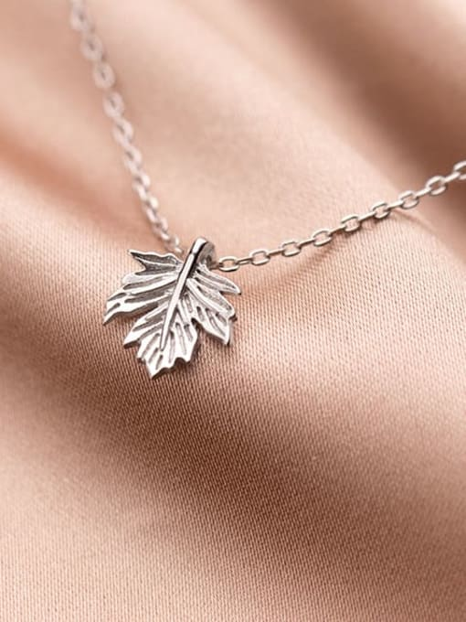 Rosh 925 Sterling Silver Leaf Minimalist Necklace