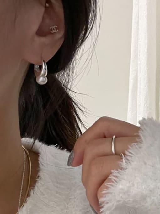 Boomer Cat 925 Sterling Silver Imitation Pearl Geometric Minimalist Huggie Earring 3