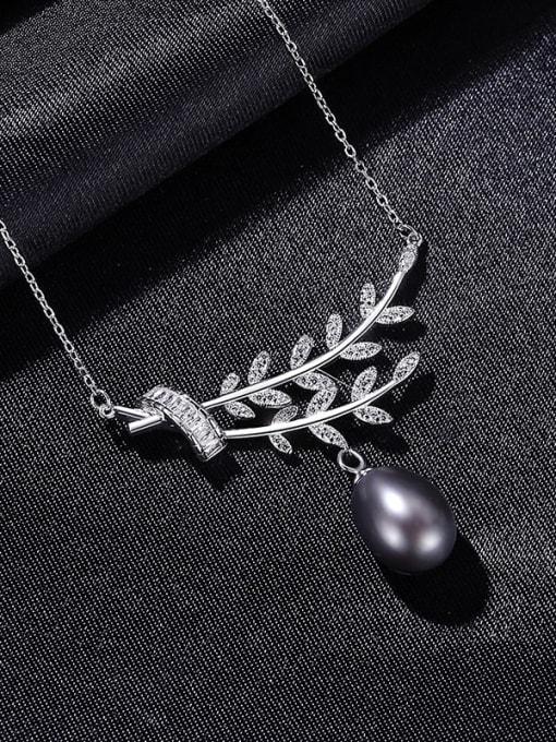 Black 8C02 925 Sterling Silver Cubic Zirconia Leaf Dainty Necklace