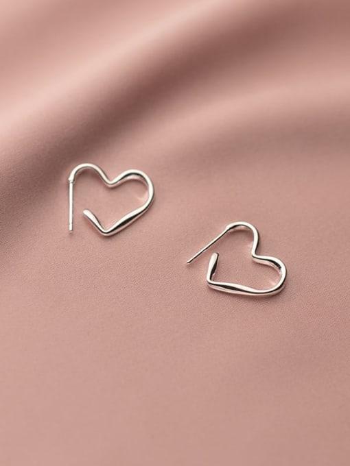 Rosh 925 Sterling Silver Line Heart Minimalist Stud Earring 0