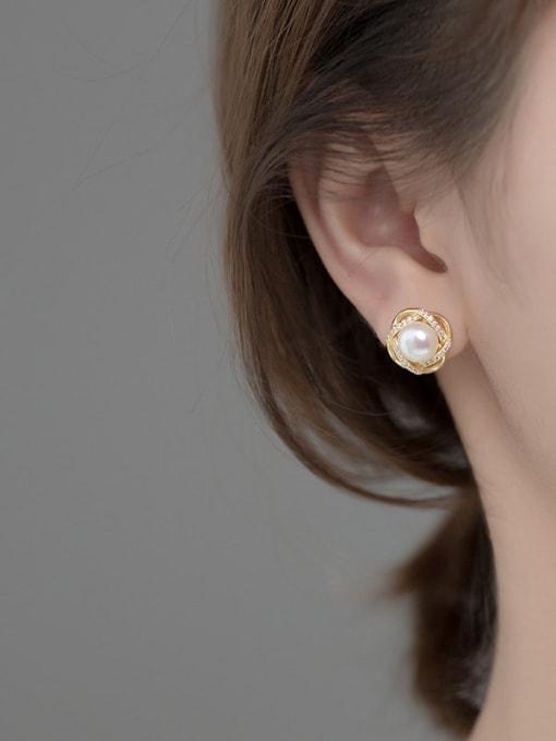 Rosh 925 Sterling Silver Cubic Zirconia Flower Dainty Stud Earring 1