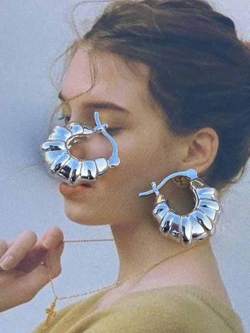 LI MUMU Brass Geometric Vintage Huggie Earring 1