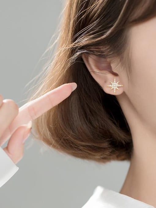 AI Fei Er 925 Sterling Silver Cubic Zirconia Flower Minimalist Stud Earring 1