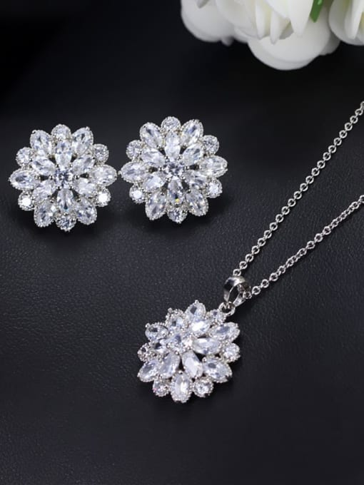 L.WIN Brass Cubic Zirconia Dainty Flower  Earring and Necklace Set