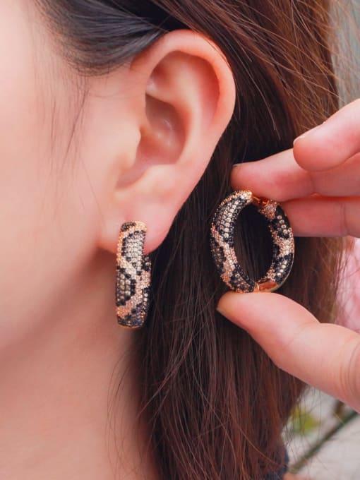 L.WIN Brass Cubic Zirconia Round Vintage Huggie Earring 1