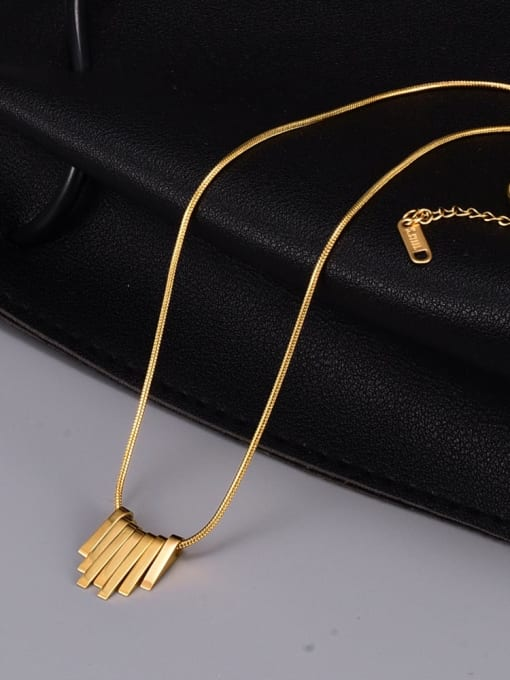 A TEEM Titanium Steel Smooth Geometric Vintage Necklace 2