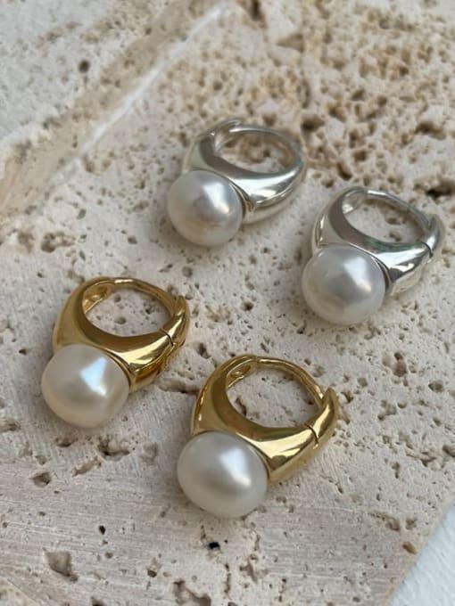 Boomer Cat 925 Sterling Silver Imitation Pearl Geometric Minimalist Huggie Earring 2