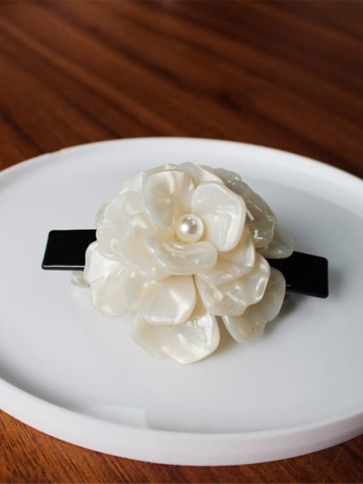 white Cellulose Acetate Minimalist Flower Zinc Alloy Spring clip Hair Barrette