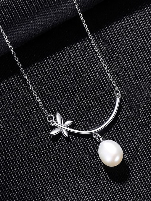 White 8C10 925 Sterling Silver Freshwater Pearl Flower Minimalist Necklace