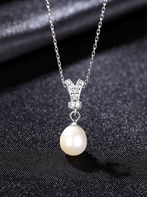 White 8D01 925 Sterling Silver Cubic Zirconia Irregular Dainty Necklace