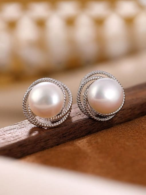 Earrings (a pair) 925 Sterling Silver Freshwater Pearl Flower Minimalist Stud Earring