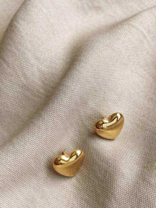 A TEEM Titanium Steel Heart Minimalist Stud Earring