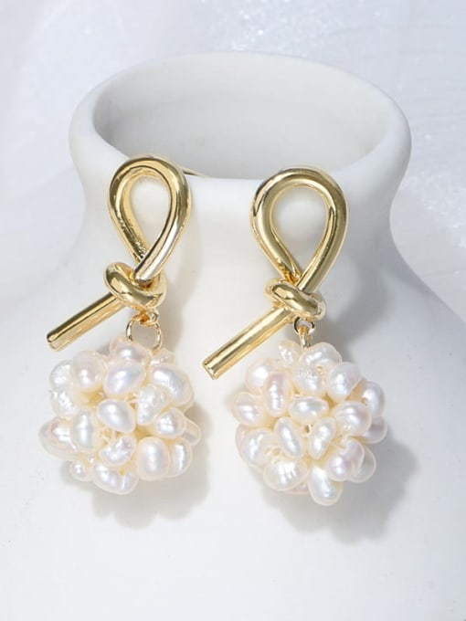 2 Brass Freshwater Pearl Bowknot Vintage Stud Earring