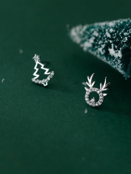 Rosh 925 Sterling Silver Cubic Zirconia  Minimalist  Asymmetric Christmas Tree Fawn  Stud Earring
