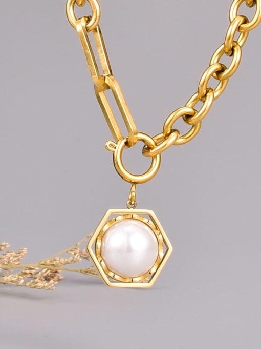 A TEEM Titanium Steel Imitation Pearl Hexagon Vintage Necklace