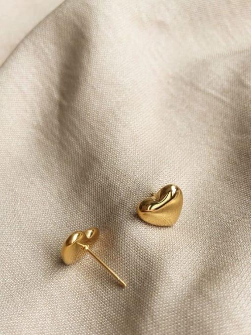 A TEEM Titanium Steel Heart Minimalist Stud Earring 1