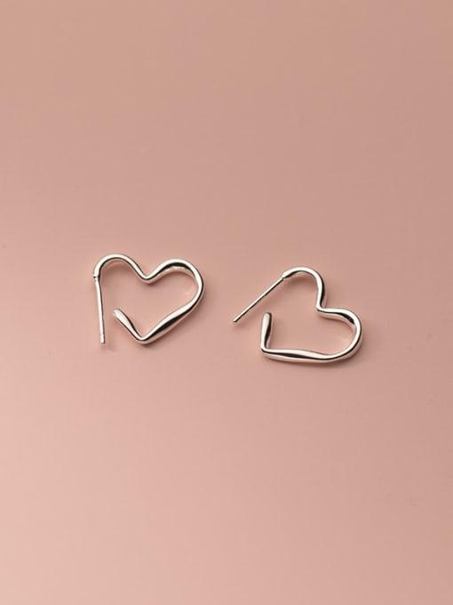Rosh 925 Sterling Silver Line Heart Minimalist Stud Earring 1