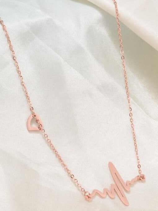A TEEM Titanium Heart Minimalist Pendant Necklace 1