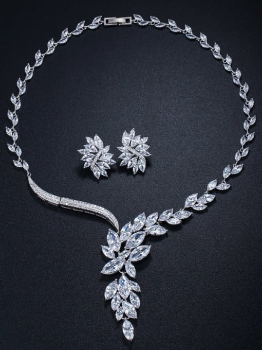 Necklace Earrings (earpin) Brass Cubic Zirconia  Luxury Flower Earring and Necklace Set