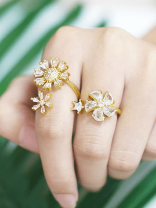 CC Brass Cubic Zirconia Flower Trend Band Ring 1