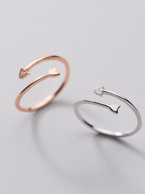 Rosh 925 Sterling Silver Rhinestone Triangle Minimalist Band Ring