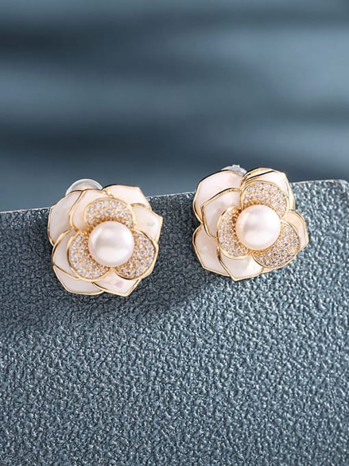 Luxu Brass Cubic Zirconia Shell Flower Artisan Stud Earring 1