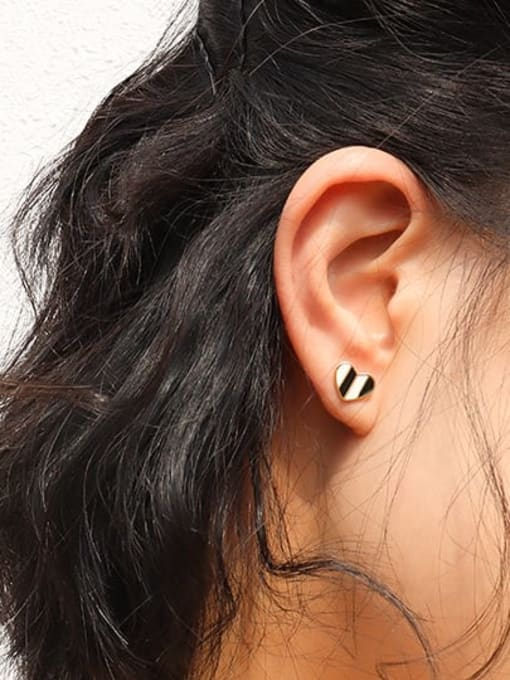 MAKA Titanium Steel Shell Heart Minimalist Stud Earring 1