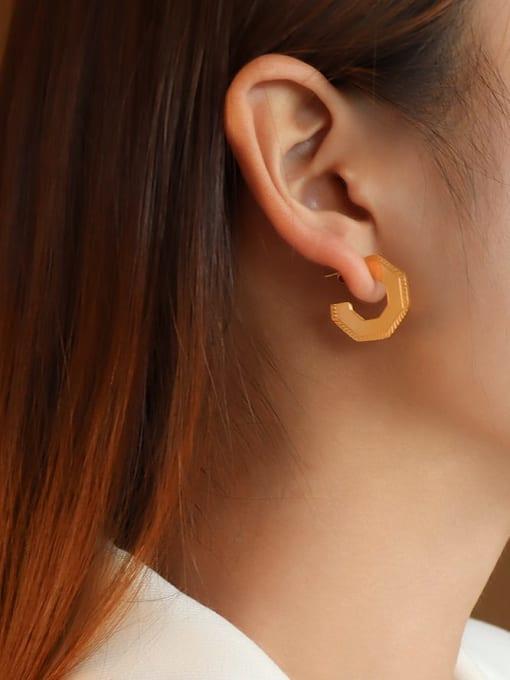 MAKA Titanium Steel Geometric Vintage Stud Earring 1