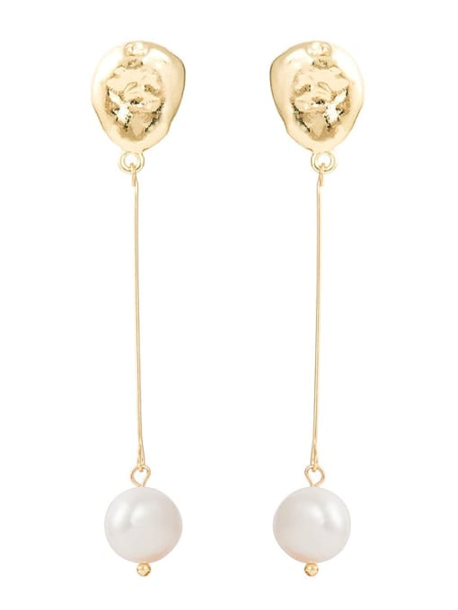gold Natural freshwater pearl earrings