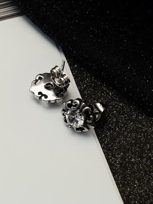 MAKA Titanium Steel Cubic Zirconia Flower Vintage Stud Earring 2