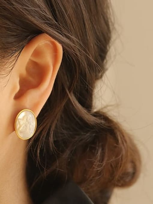 ACCA Brass Shell Round Vintage Stud Earring 2