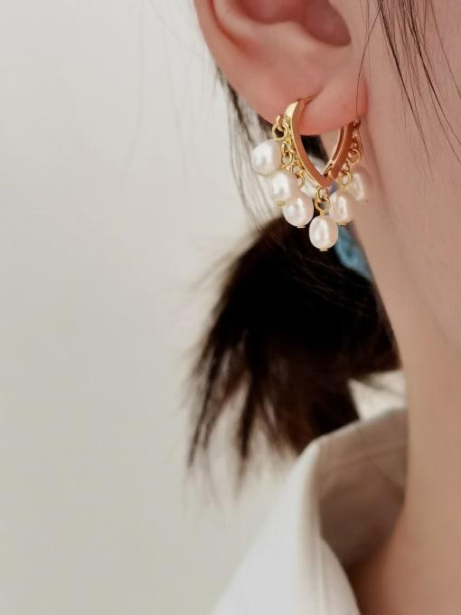 HYACINTH Brass Imitation Pearl Heart Minimalist Huggie Earring 1