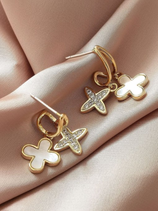 HYACINTH Brass Shell Cross Minimalist Huggie Earring 0