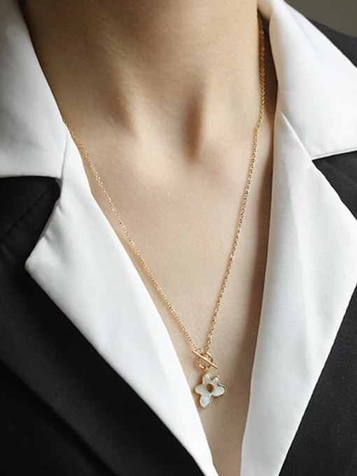 ACCA Brass Shell Flower Minimalist Pendant Necklace 1