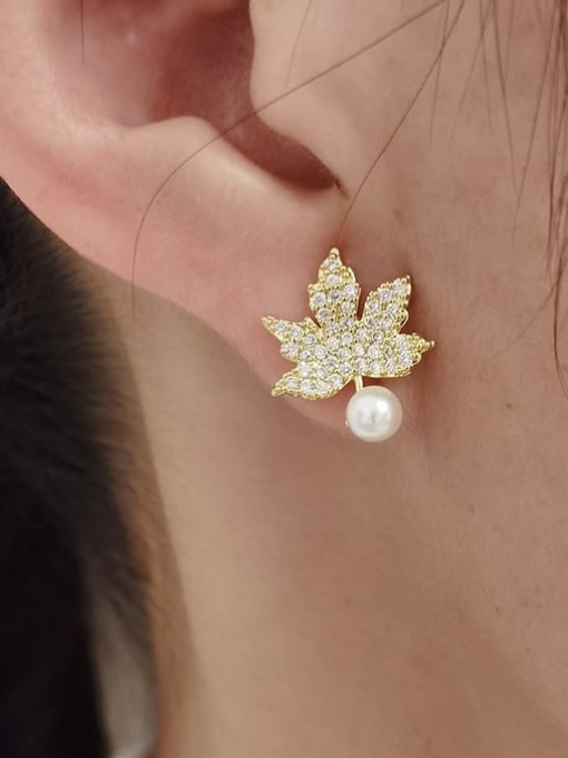 HYACINTH Brass Cubic Zirconia Leaf Vintage Stud Earring 1