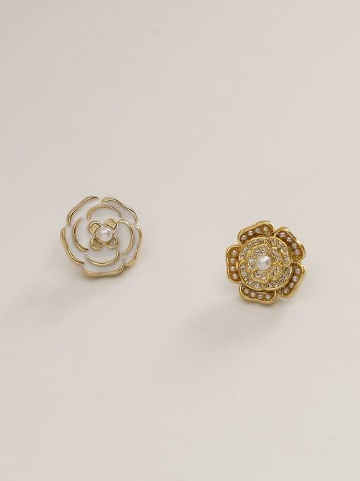 14k Gold White Brass Enamel Flower Vintage Stud Earring